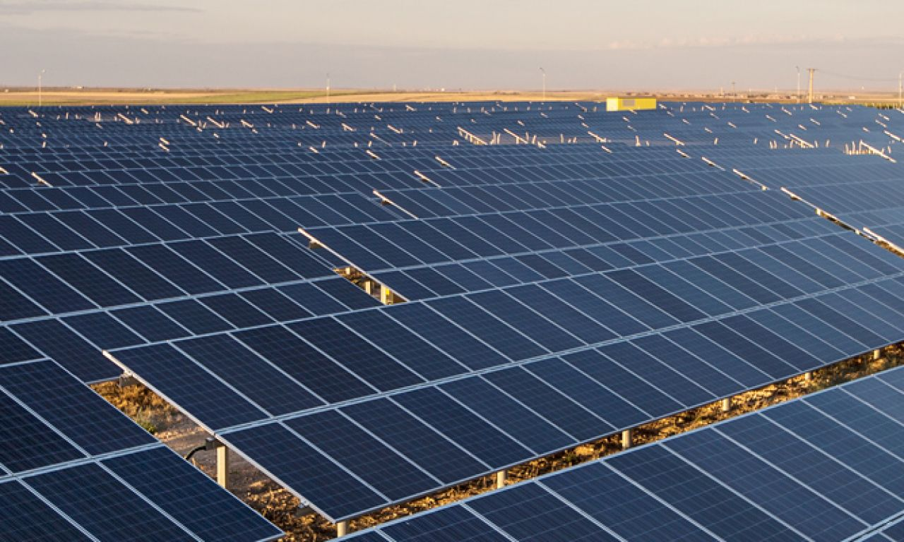 Turkey's Largest Solar Power Plant Opens Service.